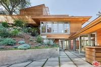 3763 Fredonia Dr, Los Angeles, CA